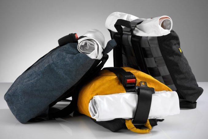 Der 'Airpaq' Rucksack wird größtenteils aus alten Airbags, Sicherheitsgurten und Gurtschlössern produziert. Bild: AIRPAQ