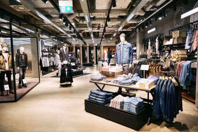 competitive price 030fc 62780 JACK & JONES und VERO MODA im neuen Flagship – FASHIONTODAY