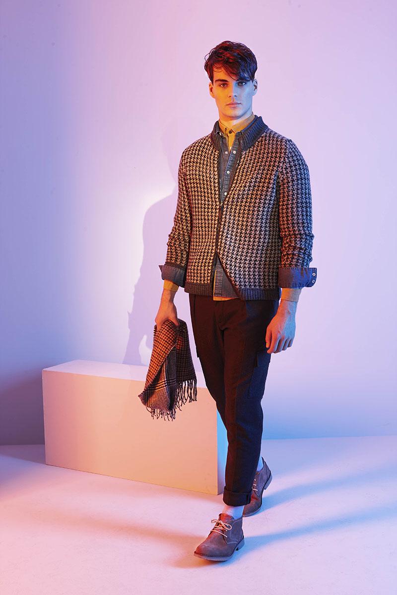 Cardigan CIVIDINI Jeanshemd LEVI'S Hemd pure Hose ALBERTO Socken Stylist's Own Schuhe camel active Schal BURTON