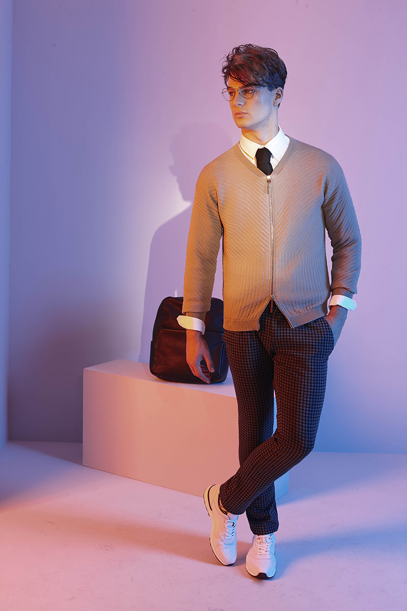 Hemd JOOP! Krawatte JOOP! Cardigan CIVIDINI Hose pierre cardin Socken Stylist's Own Schuhe LLOYD Tasche JOOP! Brille GERMANO GAMBINI