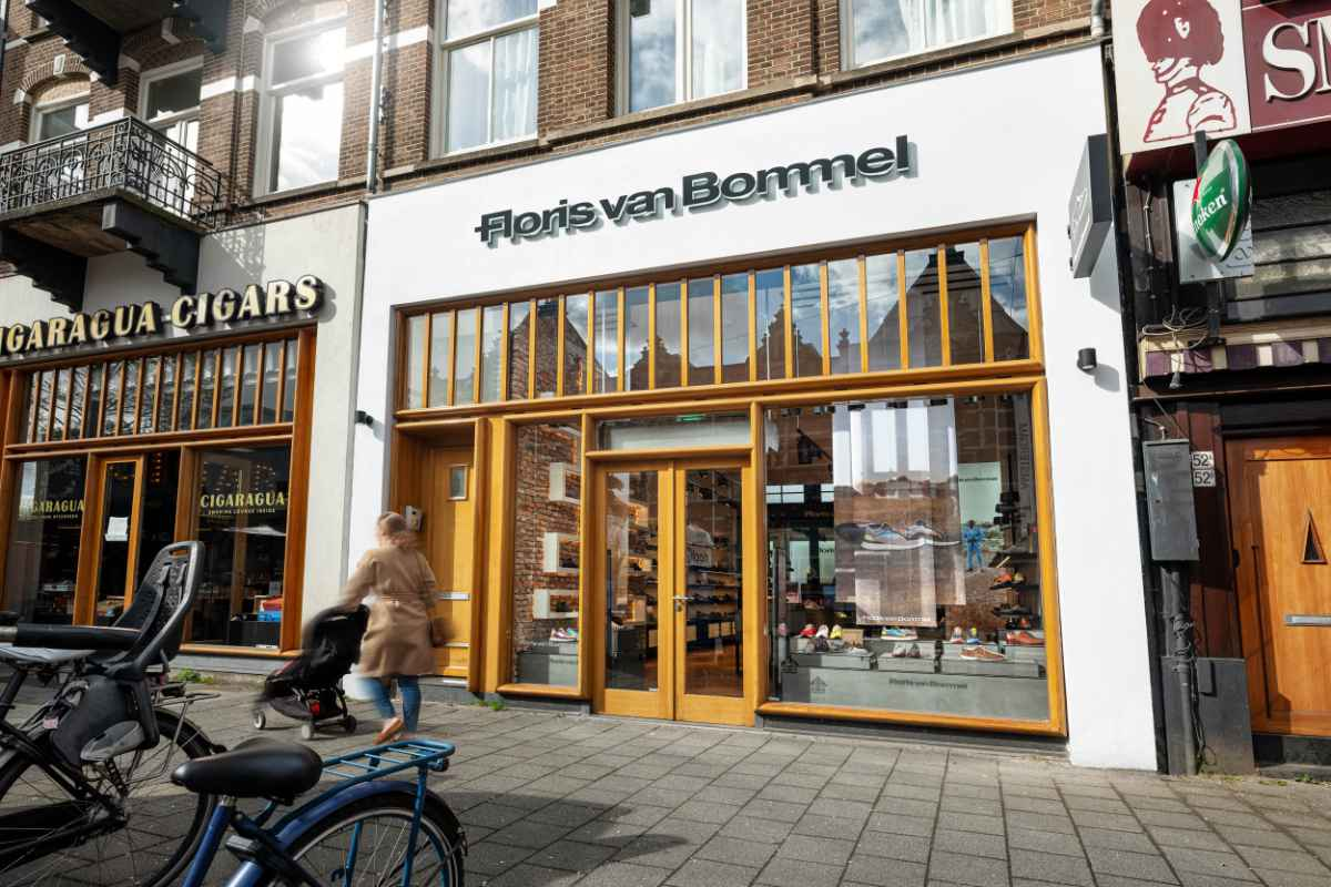 FLORIS VAN BOMMEL: Zweiter Laden in Amsterdam